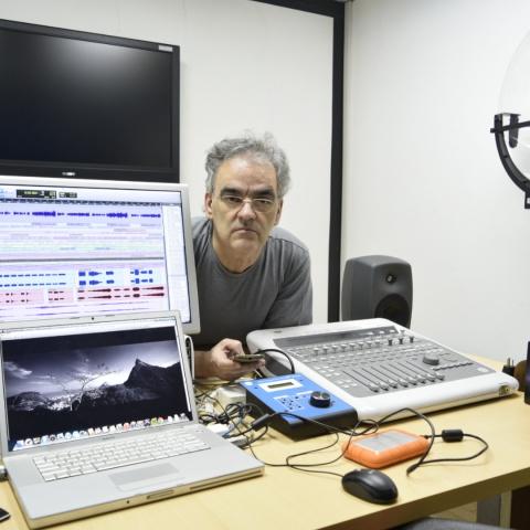 A oficina será ministrada por Edwaldo Mayrinck, engenheiro eletrônico, especialista em manutenção, instalação e operação de equipamentos de áudio cinematográficos.
