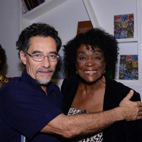 Chico Diaz, júri do festival e a atriz Léa Garcia, homenageada, na abertura do Visões Periféricas 2014