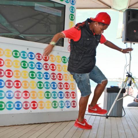 Dançarinos do Passinho no Quiosque da Globo em 2013