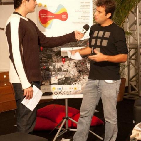 O diretor do festival Marcio Blanco na abertura da edição 2011 no Oi Futuro Ipanema